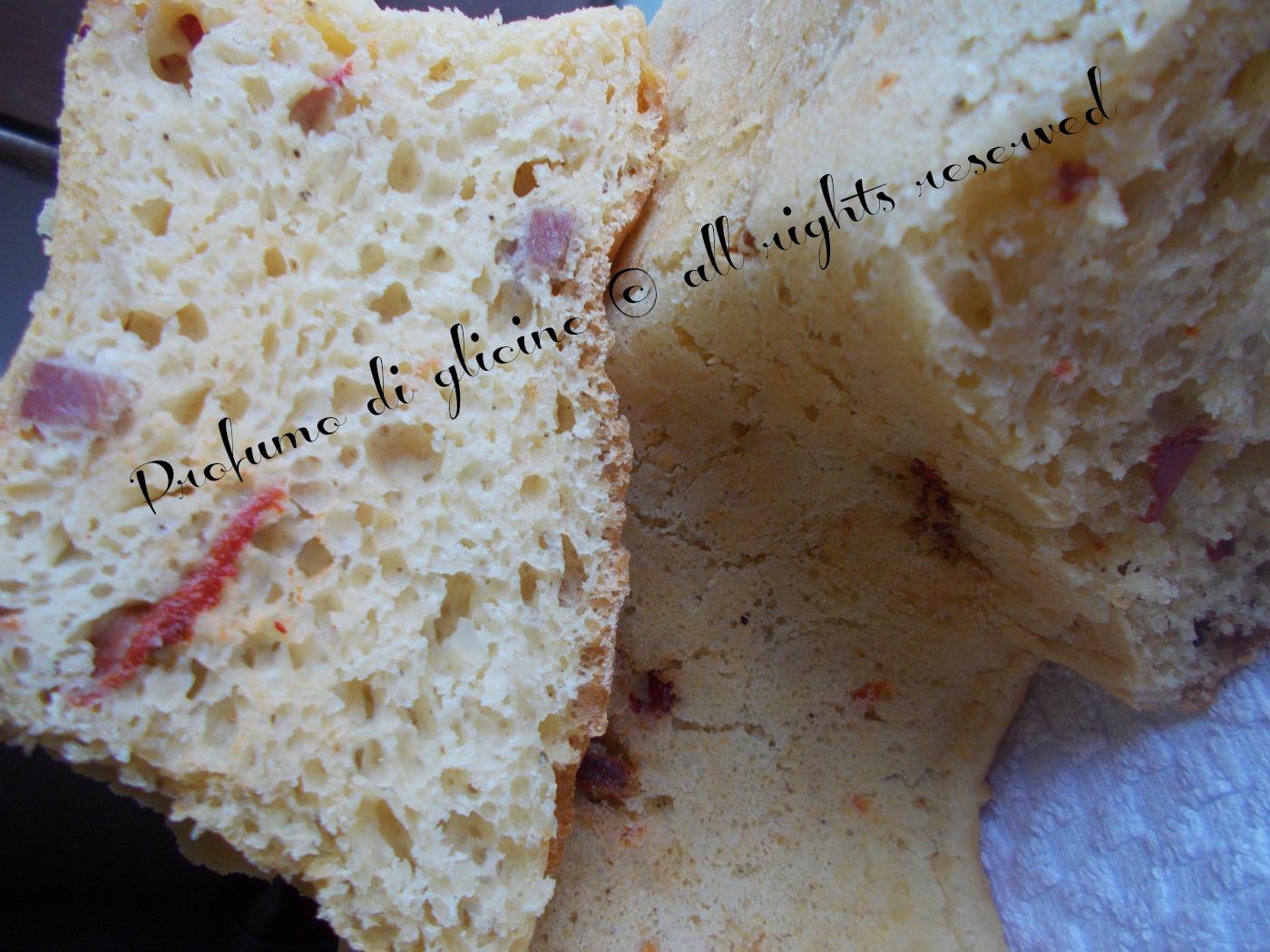 ciambella rustica con peperoni salame e scamorza - ricetta con lievito madre nella cucina di profumo di glicine