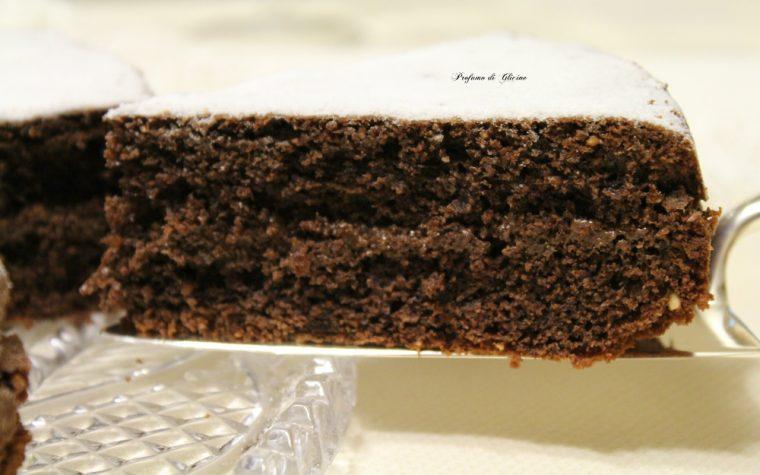 Torta di nocciole e nutella – ricetta torta soffice e golosa