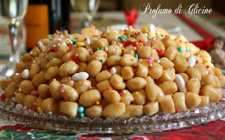 Struffoli napoletani – ricetta dolce di Natale