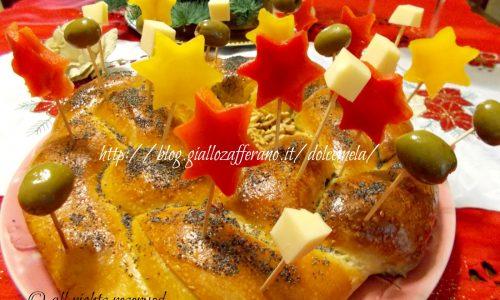 Corona di pan brioche farcita - ricetta centrotavola di Natale