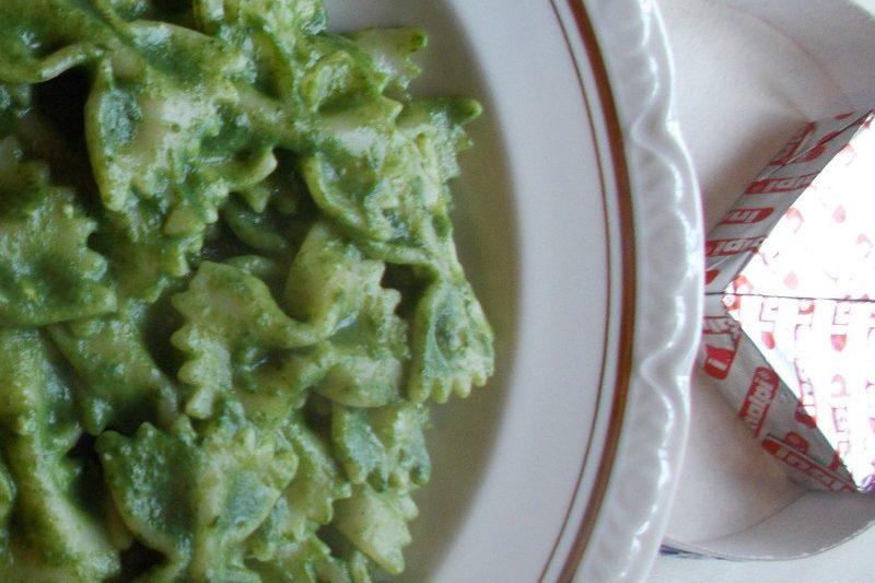 Pasta in crema di spinaci – ricetta primi piatti semplici