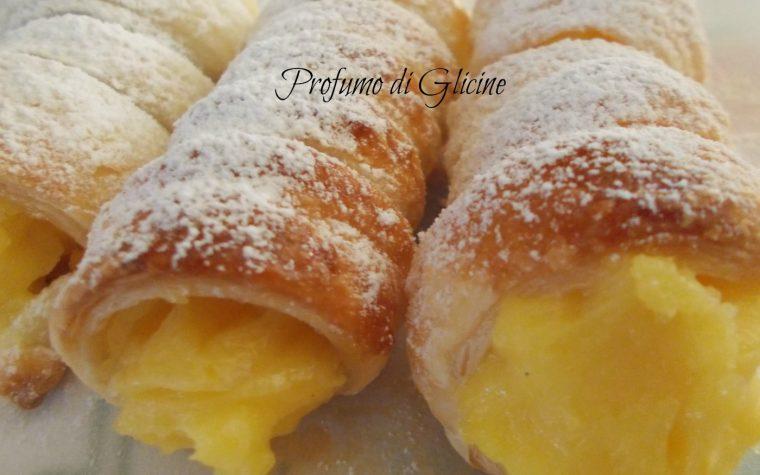 Cannoli alla crema pasticcera con sorpresa – ricetta dolce facile e veloce