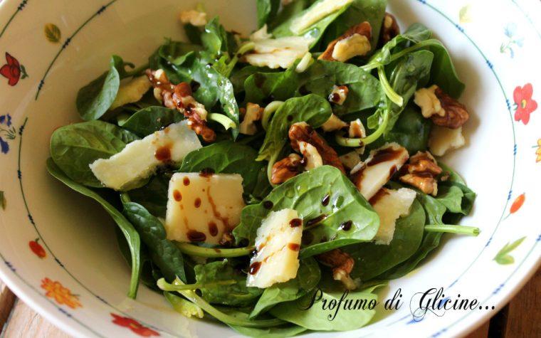 Insalata di spinaci crudi
