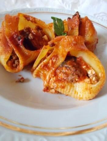 Lumaconi ripieni con ricotta e melanzane – ricette della domenica