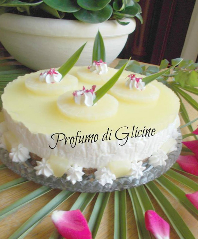 Torta fredda di yogurt e ananas