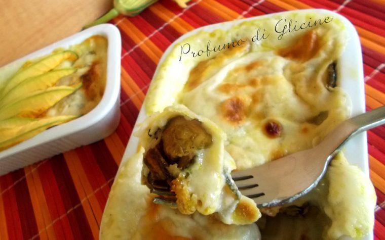 Zucchine al gratin con fiori e formaggio pecorino