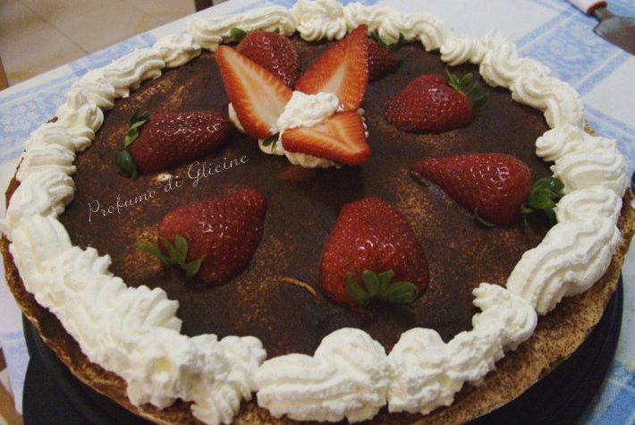 Crostata tiramisù con nutella e fragole – ricetta dolce goloso