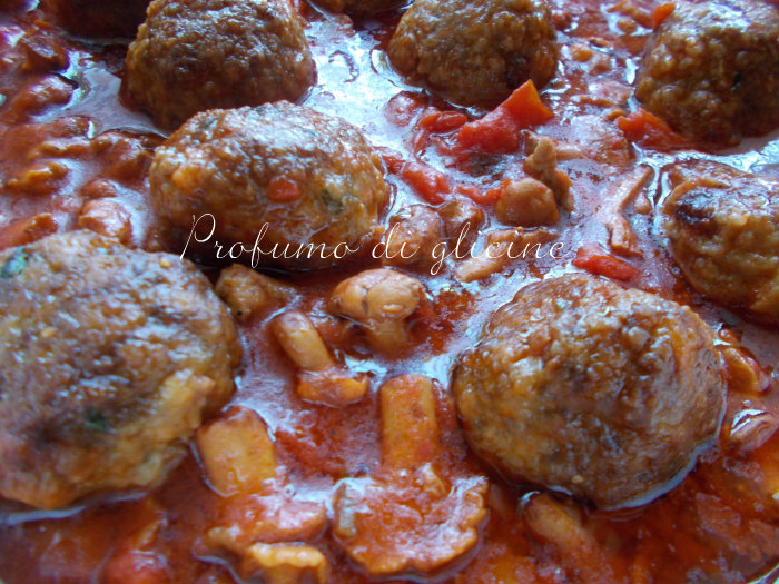 polpette al sugo con funghi galletti