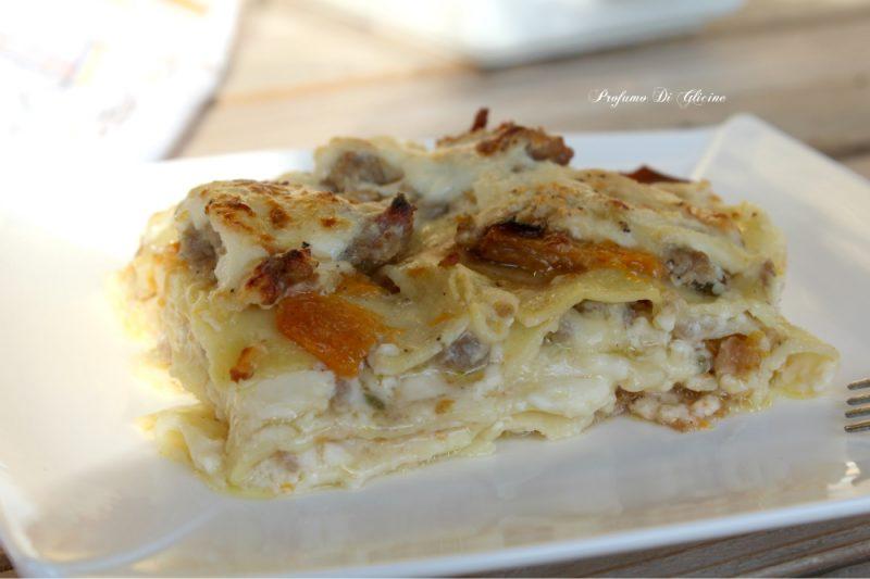 Lasagne zucca e salsicce – ricetta primi piatti al forno