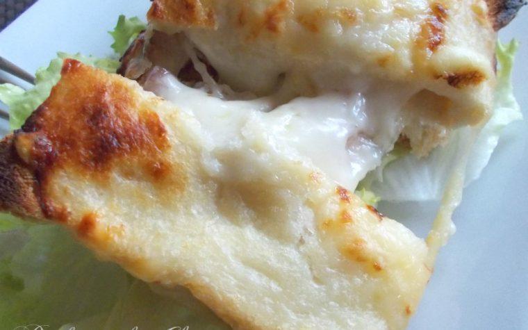 Tramezzino filante con pancetta e formaggio  ∼ Quasi un croque monsieur