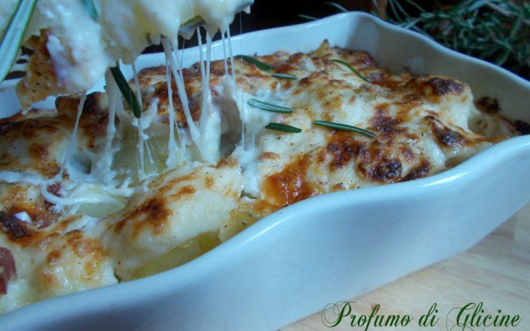 Patate gratinate con pancetta e formaggio – Gustose e filanti