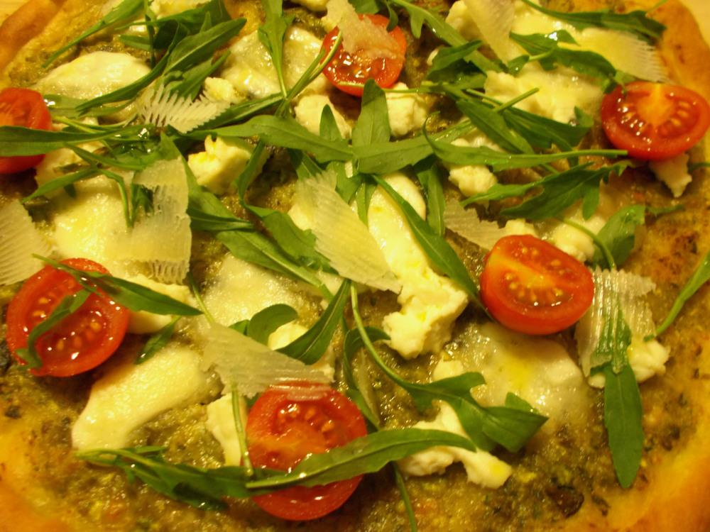 Pizza al pesto di zucchine