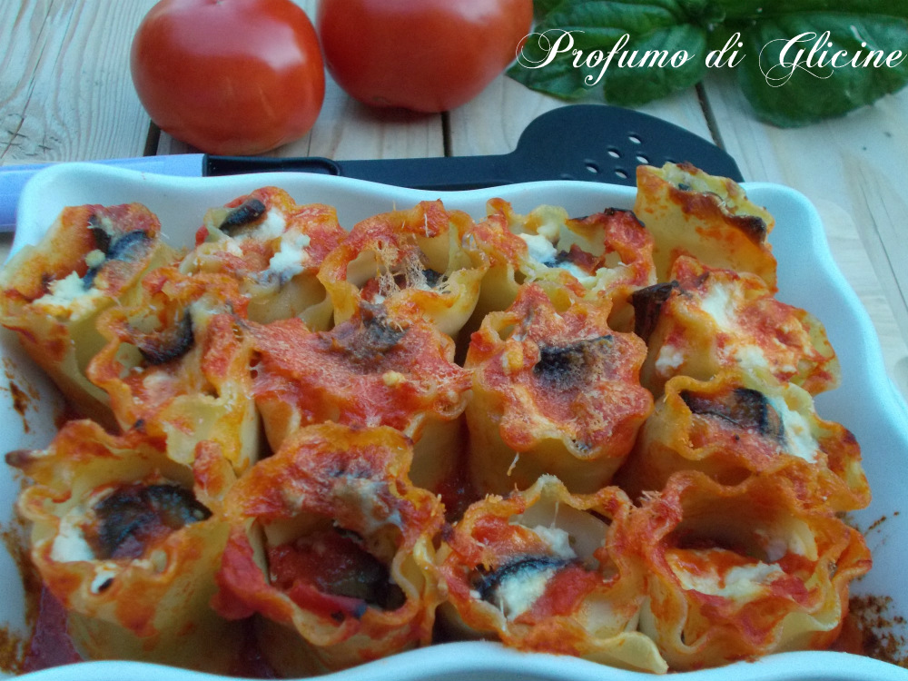 Bouquet di lasagne ricce pomodoro e melanzane