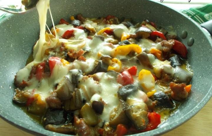 Salsicce e verdure con scamorza filante