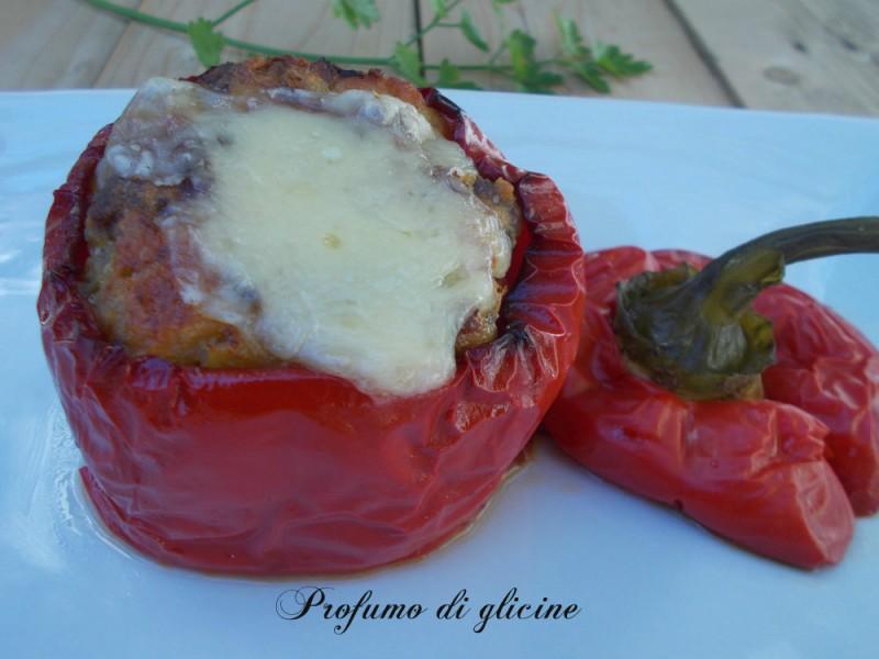 Peperoni ripieni carne e scamorza