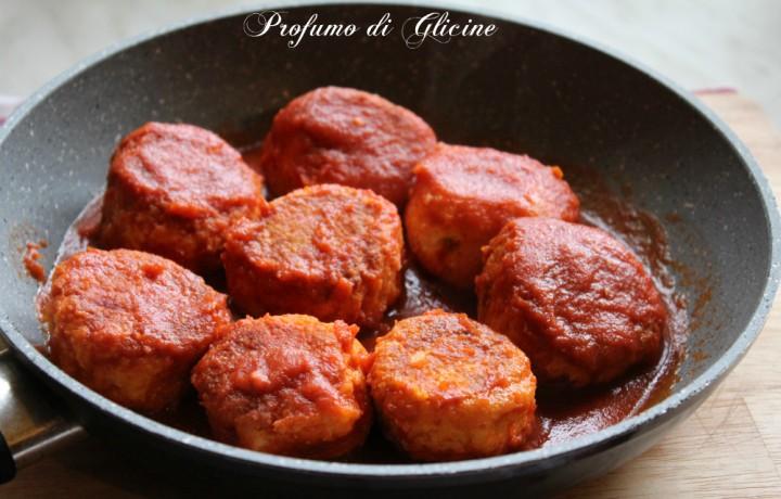 Polpette di ricotta al sugo – ricetta vegetariana