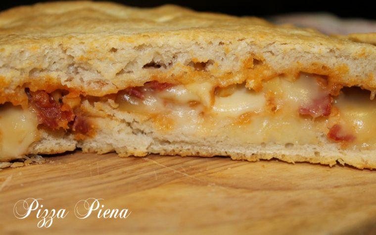 Pizza piena patate pancetta e scamorza