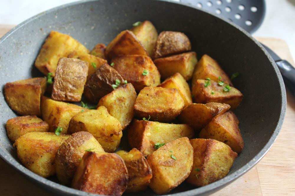 patate al forno con curcuma e rosmarino
