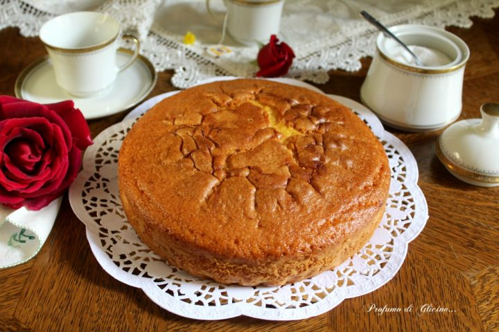 Torta soffice yogurt e fragole