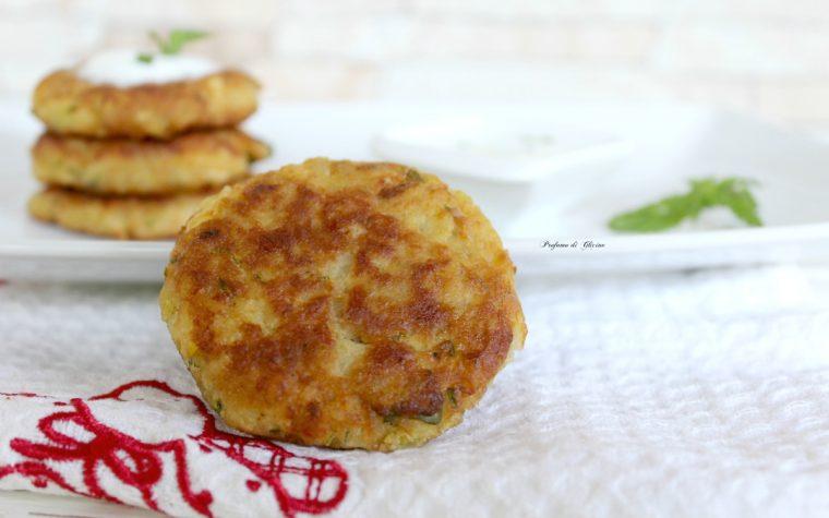 Hamburger di merluzzo con patate e zucchine