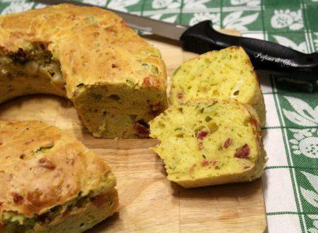 Ciambella salata con zucchine - veloce senza lievitazione