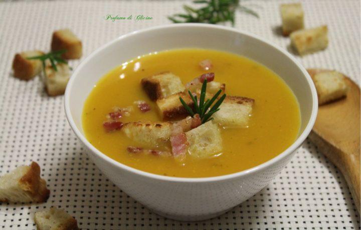 Crema di zucca e patate con crostini e pancetta croccante