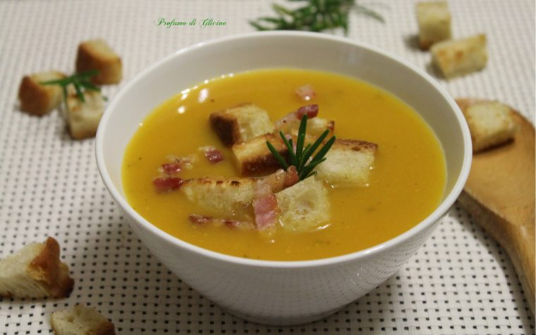 Crema di zucca e patate con crostini e pancetta croccante