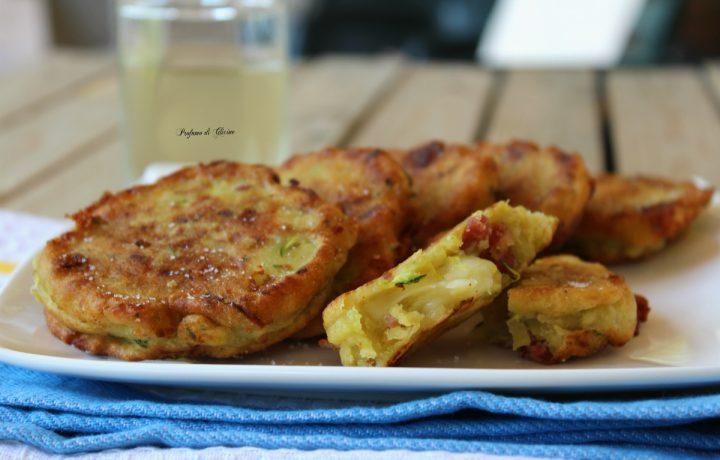 Frittelle di patate con zucchine salame e provola