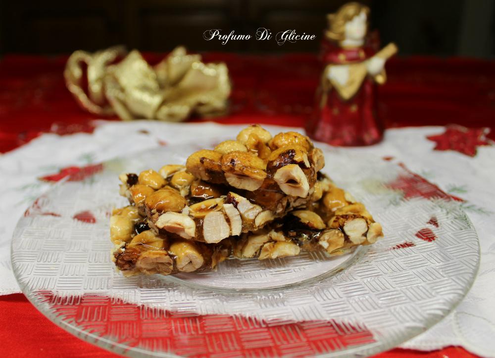 Croccante alle nocciole dolci di natale della nonna for Nuove ricette dolci