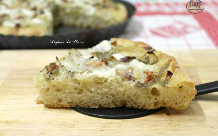 Focaccia con cipolle e pancetta