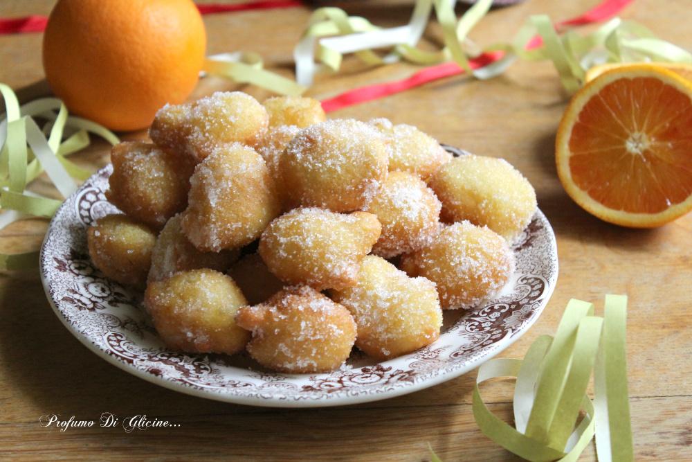 Frittelle di Carnevale al profumo di arancia