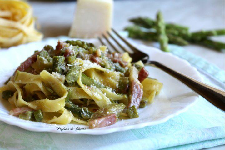 Tagliatelle con asparagi e pancetta