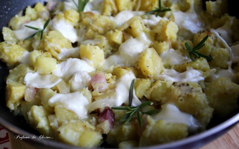 Patate pasticciate con pancetta e mozzarella