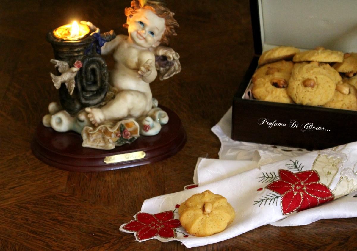 Dolci Da Credenza Biscotti Alle Nocciole : Biscotti di frolla montata alle nocciole profumo glicine