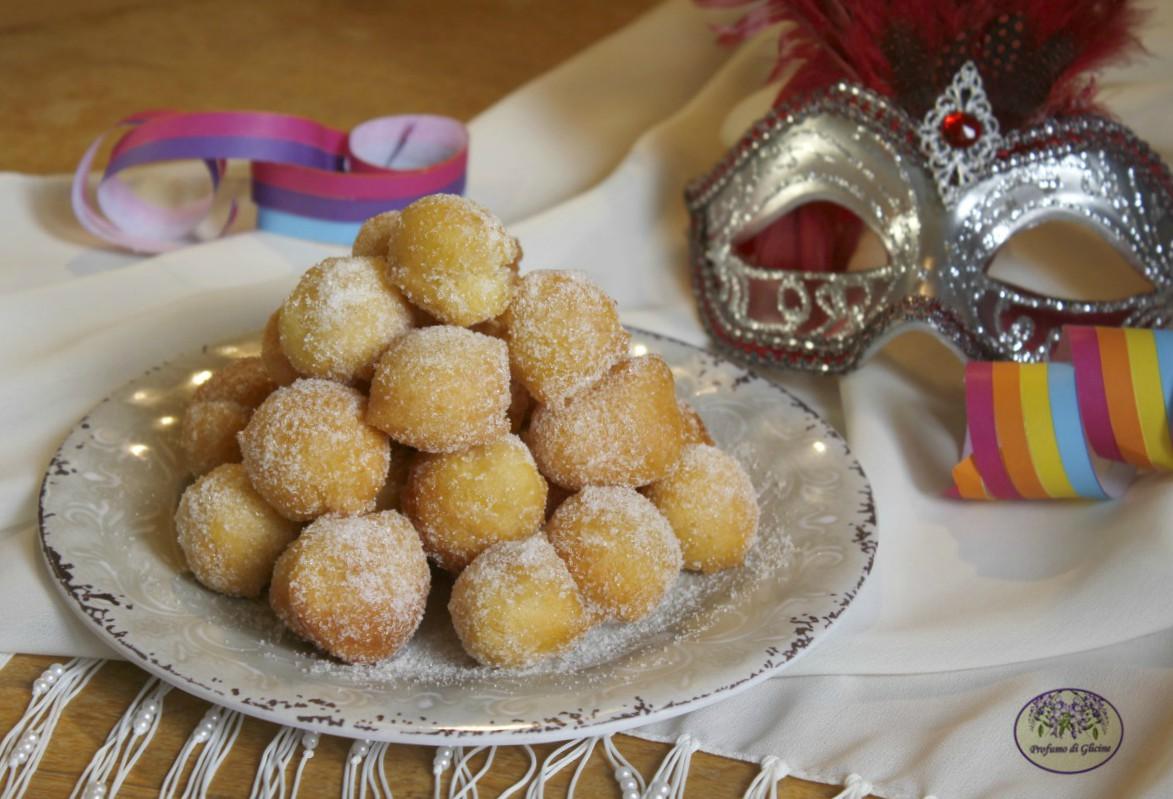 Frittelle di Carnevale morbide e golose