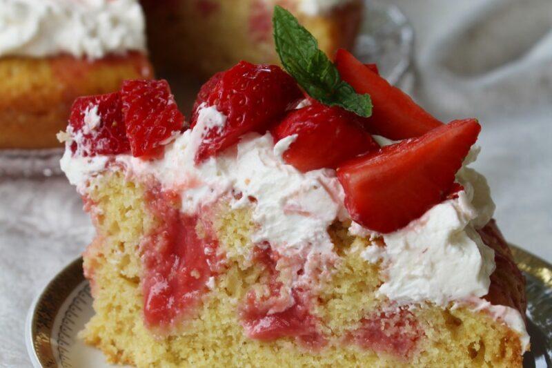 Poke cake alle fragole