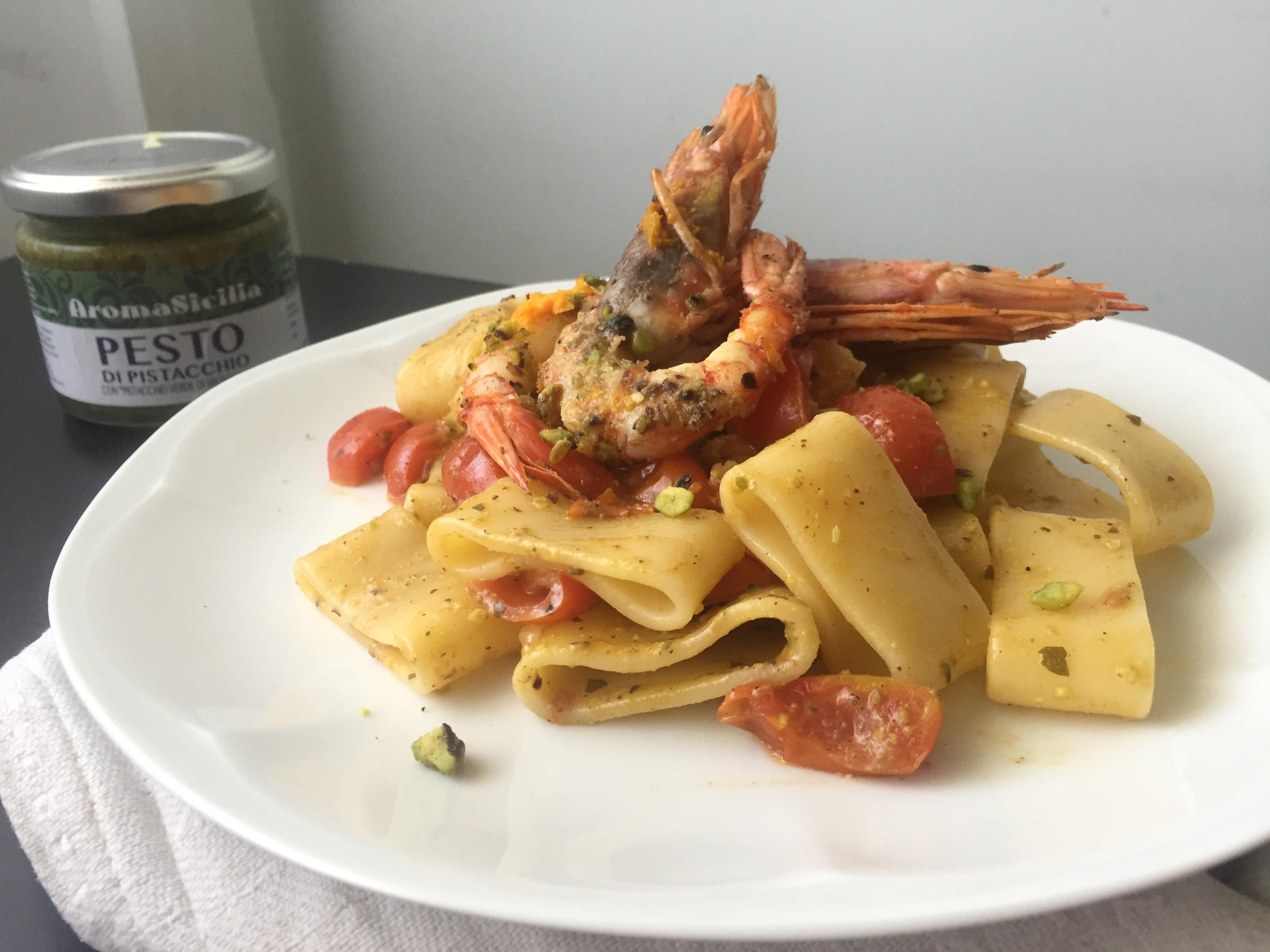 Calamarata Al Pesto Di Pistacchi Con Gamberi All Arancia