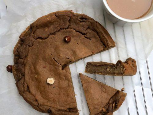 Torta morbida veg al caffè e nocciole