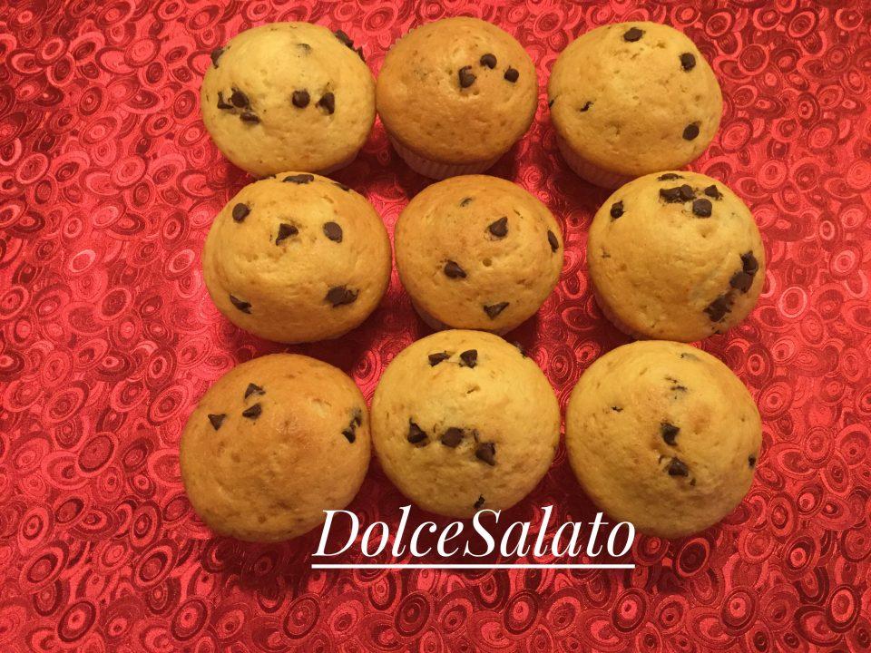 Muffin con gocce di cioccolato e arancia
