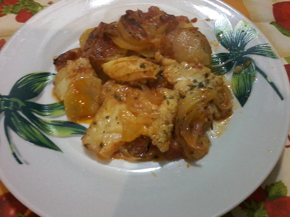 Baccala' in umido con patate pomodoro e cipolla (invenzione di cetty)