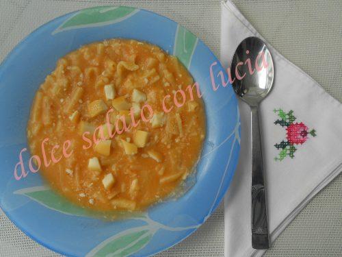Pasta patate e provola alla napoletana