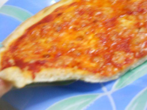 Impasto di pizza e calzoni con lievito di birra