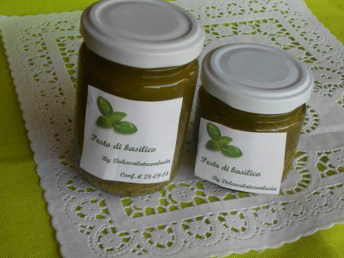 Pesto di basilico fatto in casa con accorgimenti per la sua preparazione