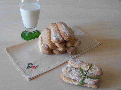 Savoiardi fatti in casa, ricetta di Luca Montersino spiegata passo per passo