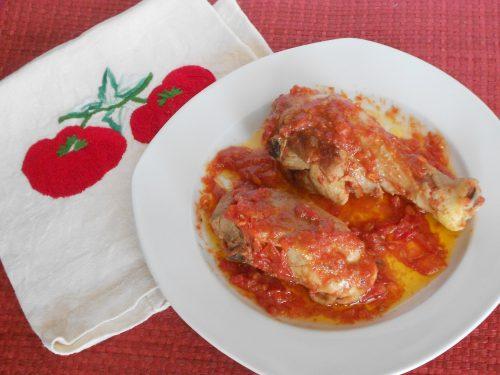 Pollo alla cacciatora con pomodori freschi