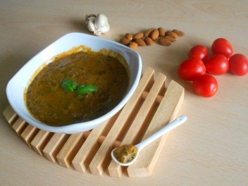 Pesto alla trapanese, ricetta facile e saporita