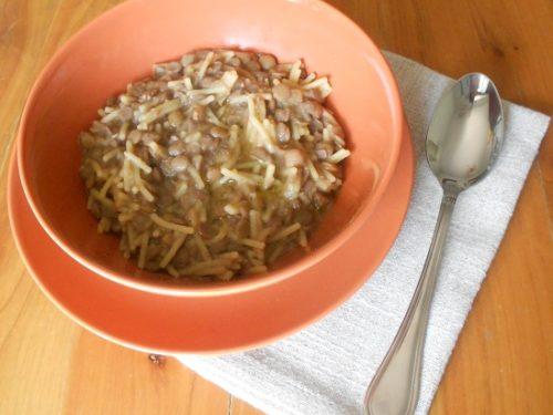 Pasta e lenticchie alla napoletana, facile e gustosa