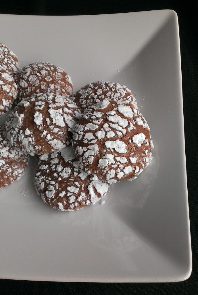 Choco-cocco crinkles, biscotti ciocco-cocco golosi con albumi