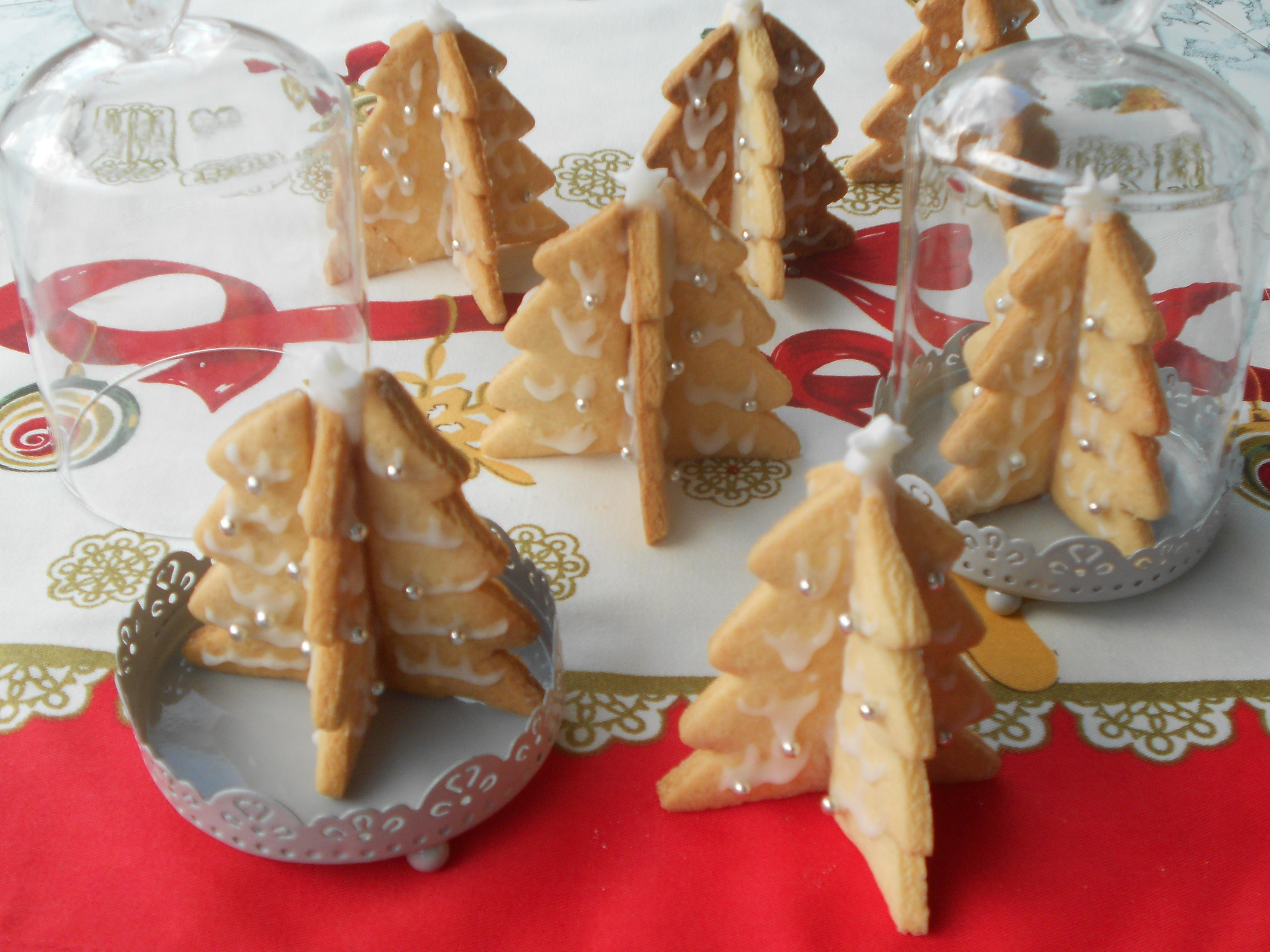 Segnaposto Natalizi Alimentari.Alberi Di Natale Tridimensionali Di Pasta Frolla I Miei Biscotti