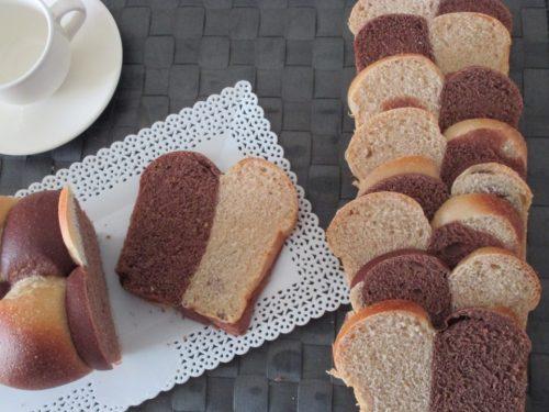 Pan brioche bicolor, effetto scacchiera, con pasta madre